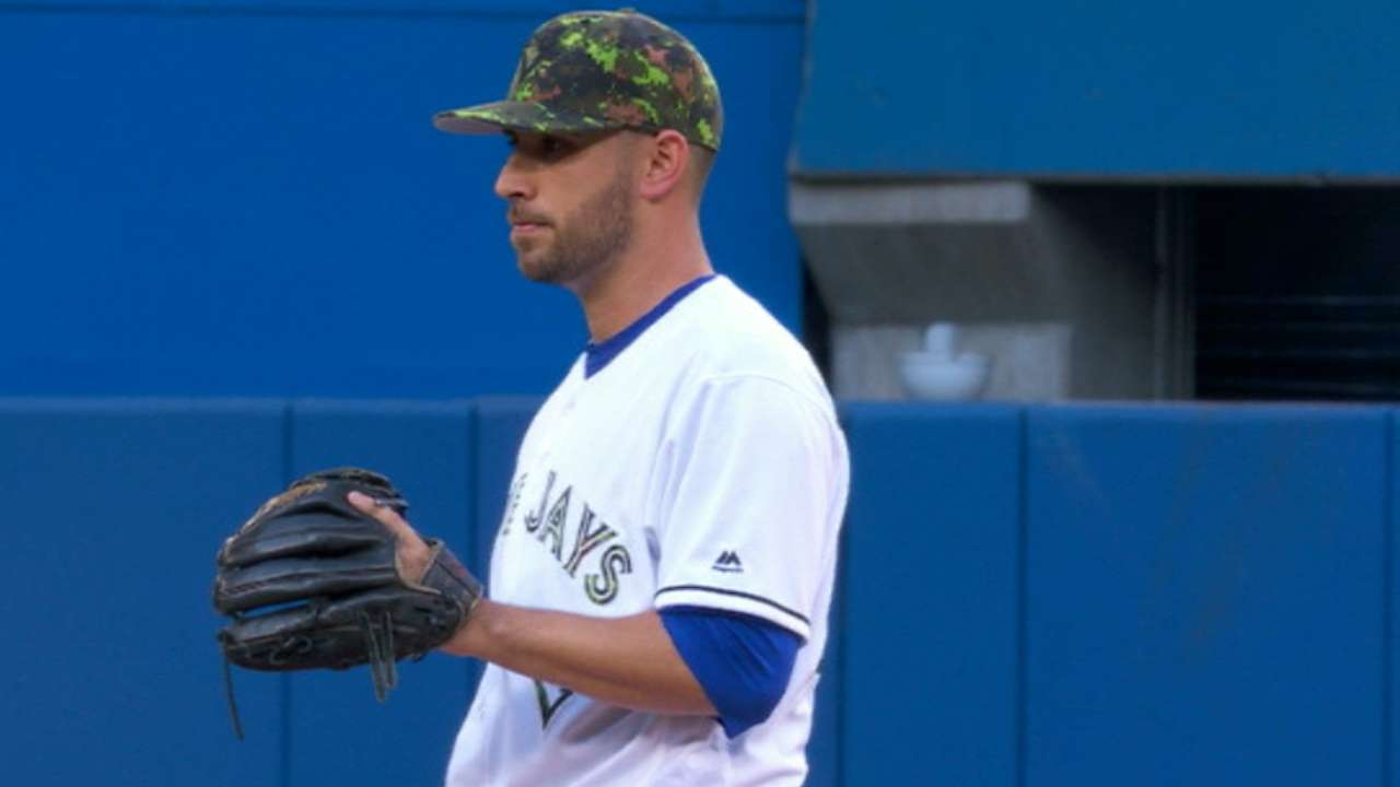 Estrada quiets Yankees with 8 shutout frames
