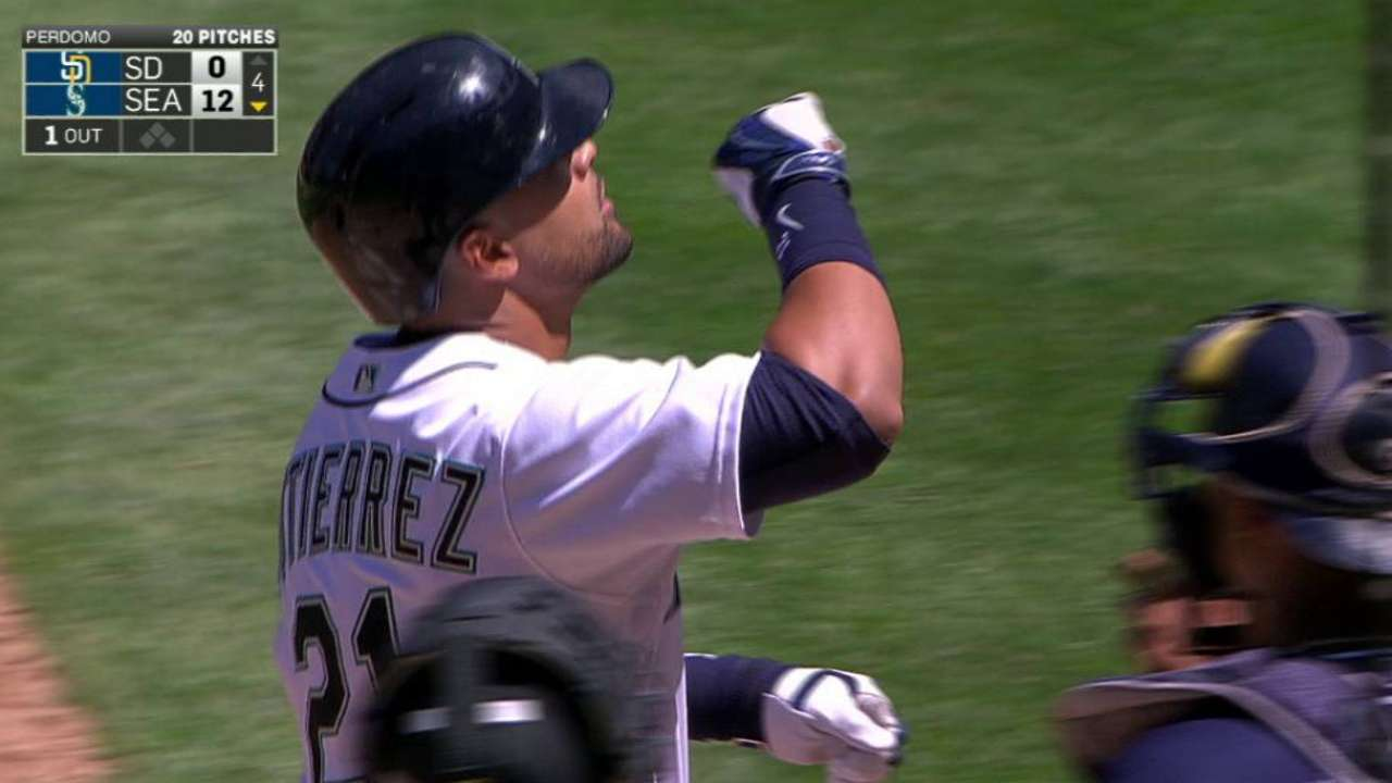 Mariners power up in 5-homer rout of Padres