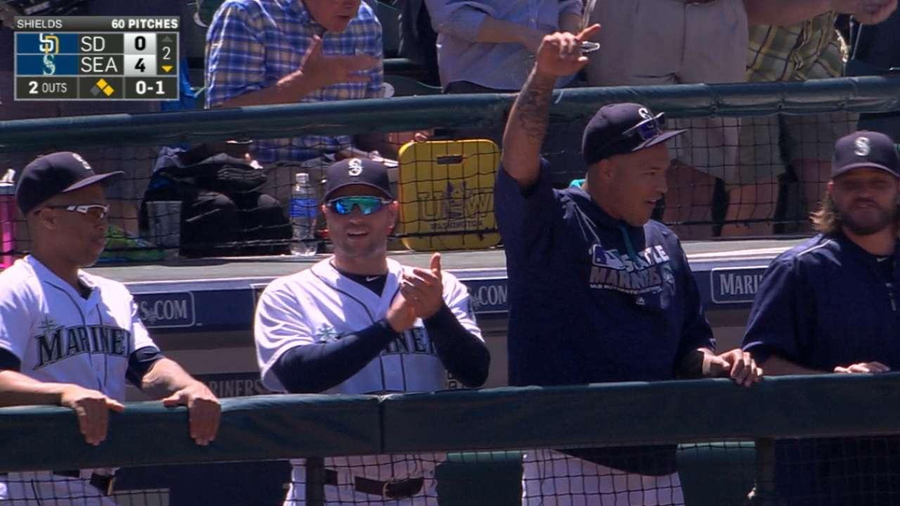 Mariners' six-run 2nd inning