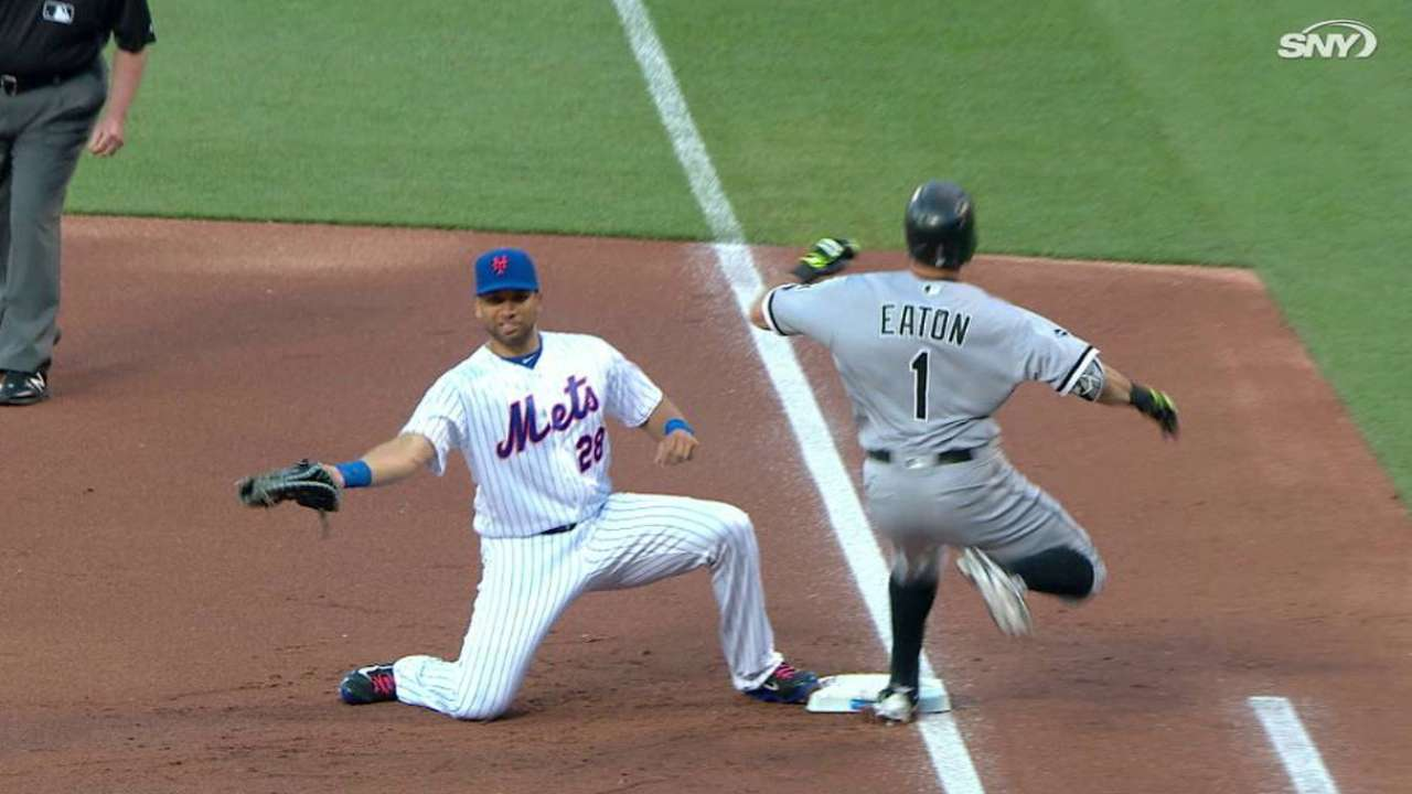 Loney records first Mets putout