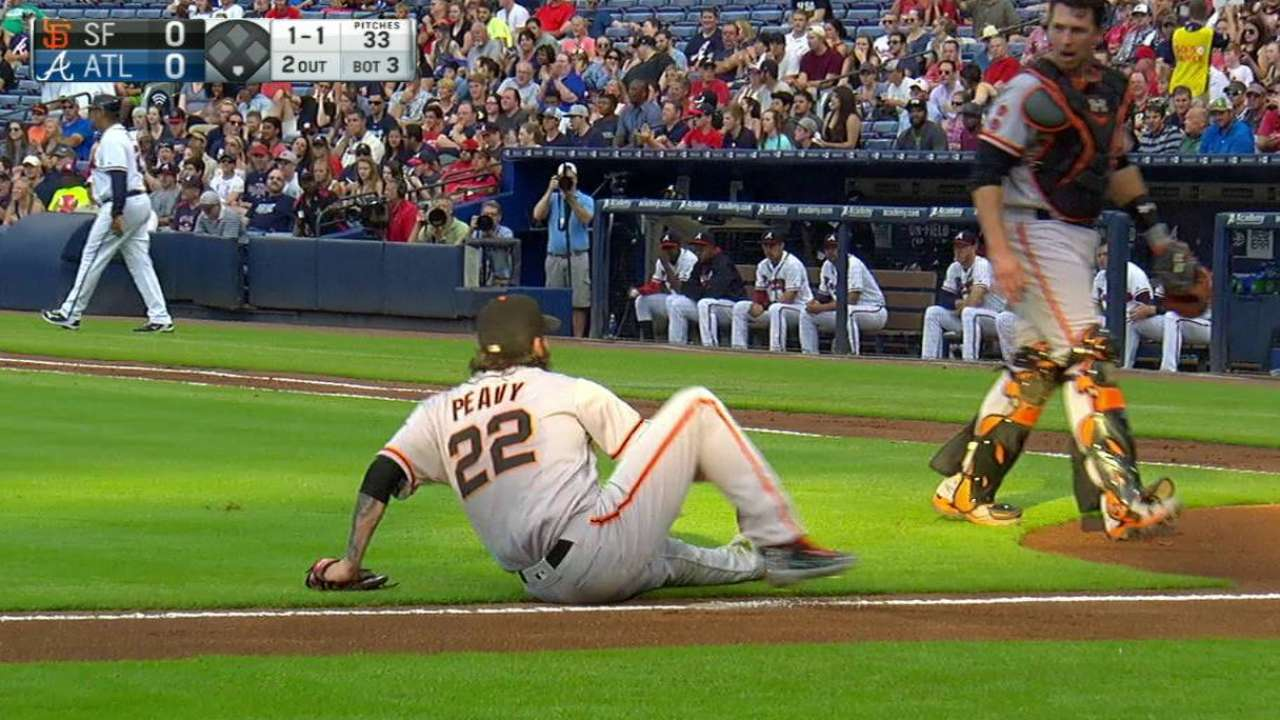 Posey makes nice play on bunt