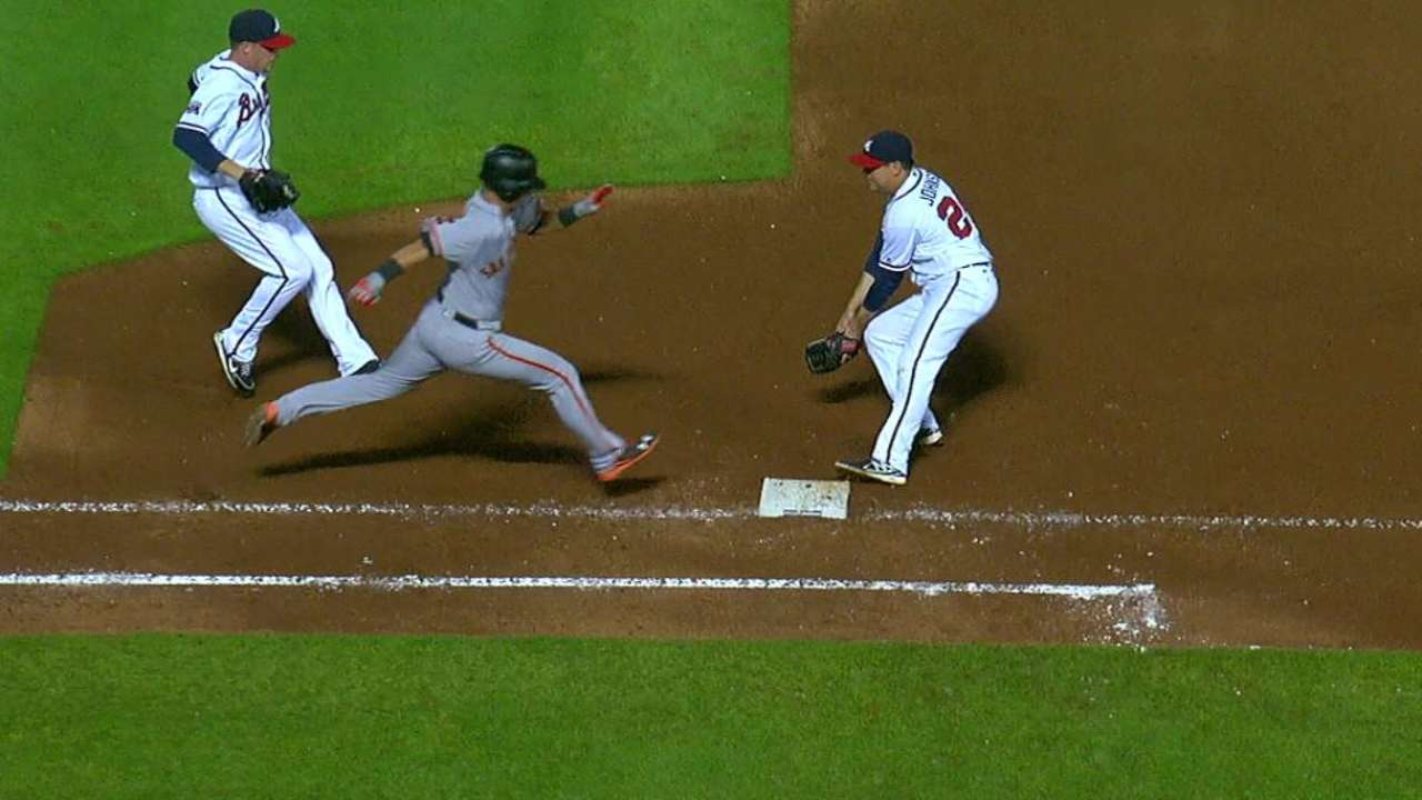 Freeman nabs Panik on bunt
