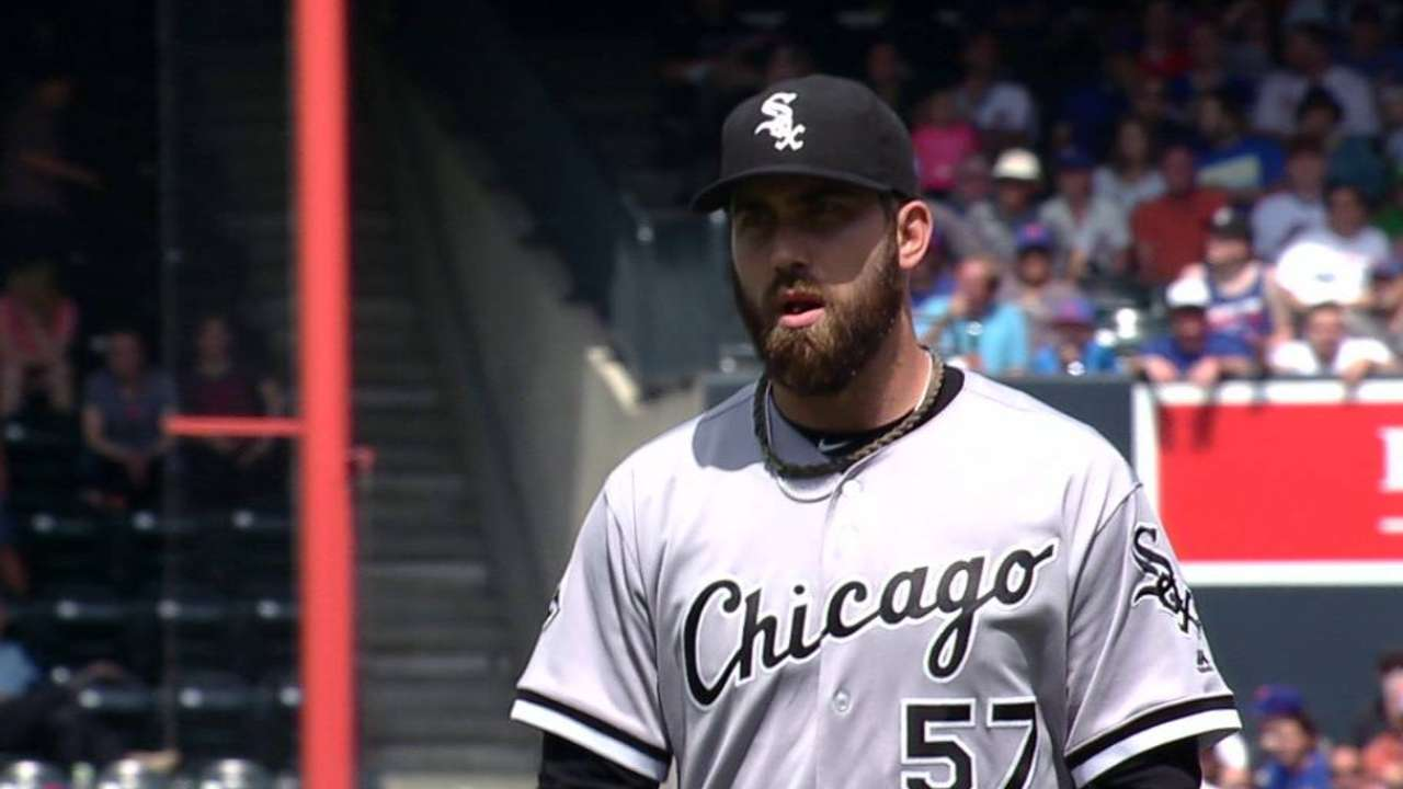 White Sox place Putnam on DL; recall Beck