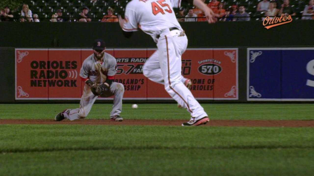 Mookie hits 2 HRs, but O's outslug Red Sox
