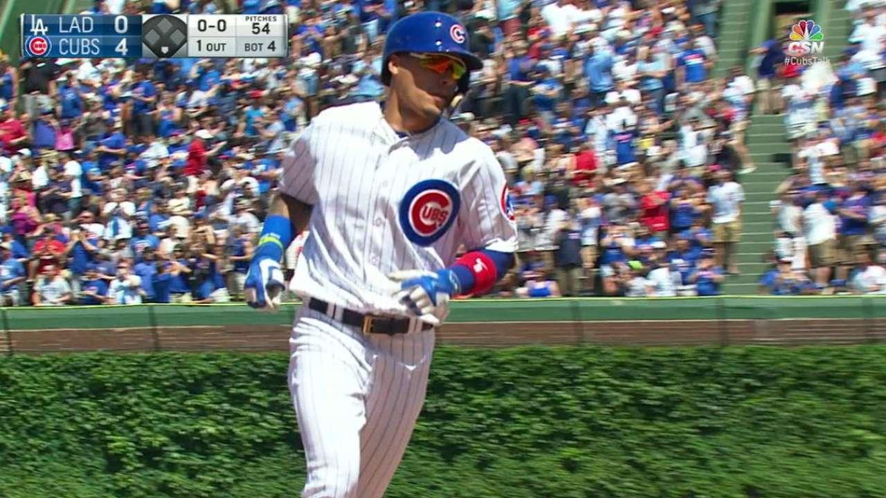 Cubs apabullan a Urías, Dodgers con cuatro jonrones
