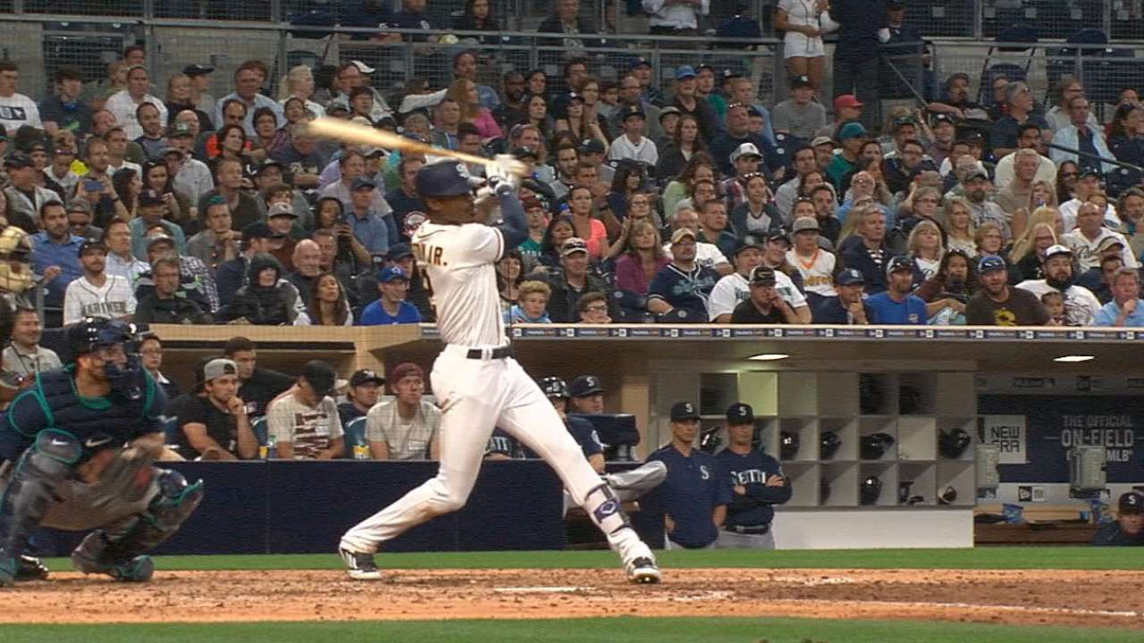 Padres strike for seven in 5th