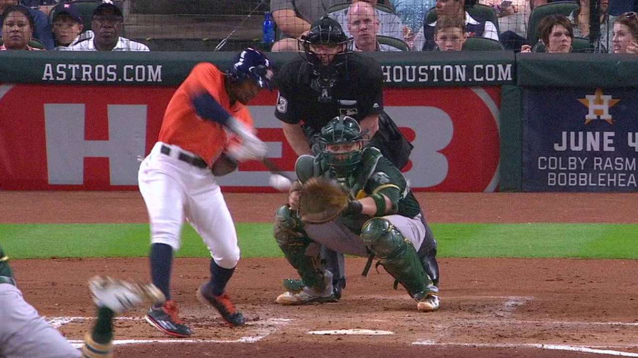 Kemp's two-run triple