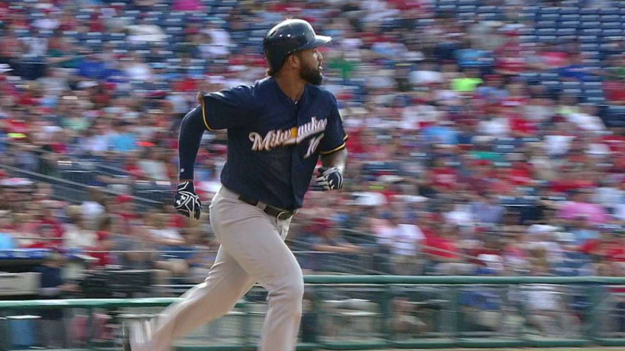Domingo's HR leads Brewers past Phillies
