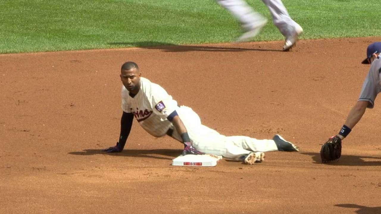 Nunez swipes second base