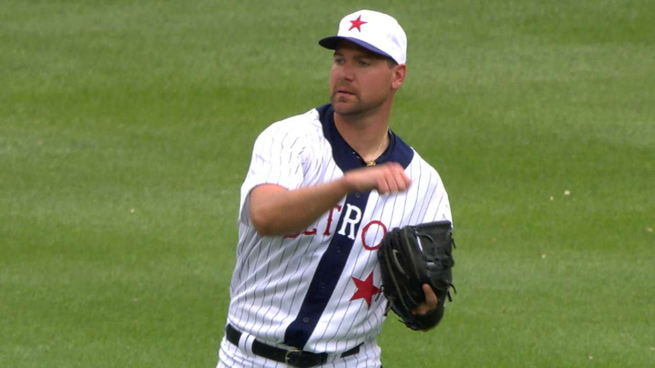 Escaping early jam key in Pelfrey's first win