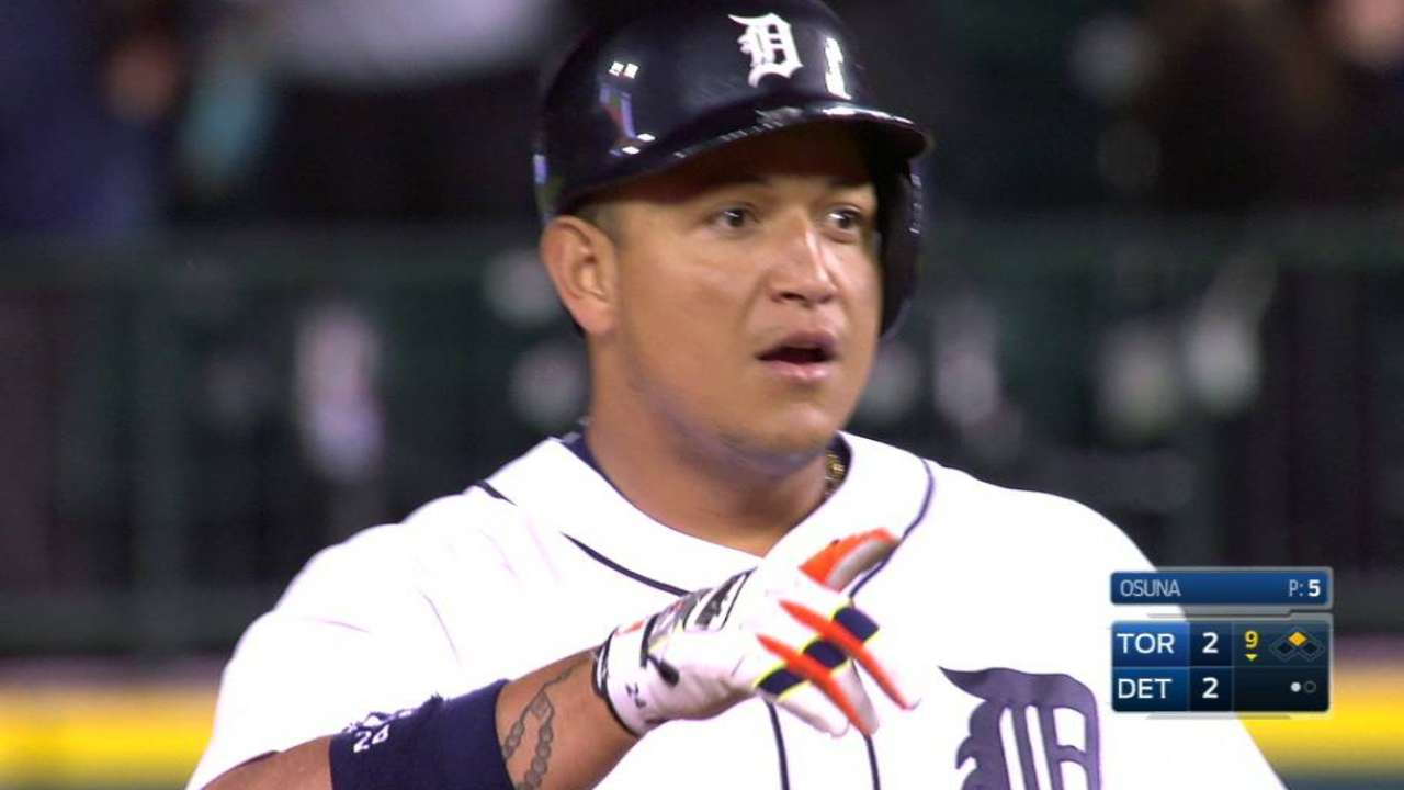Cabrera's game-tying double