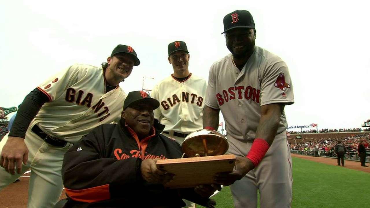 Ortiz honored by Giants