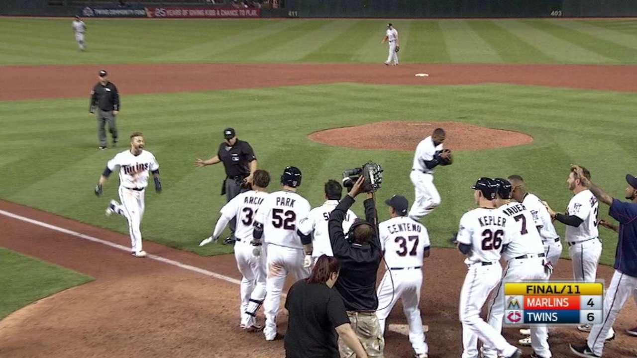 Dozier's walk-off home run