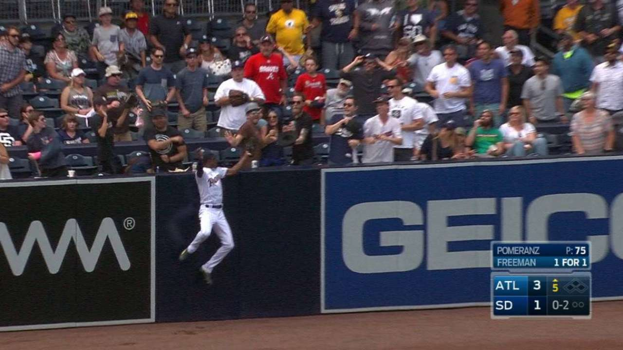 Upton Jr.'s impressive catch