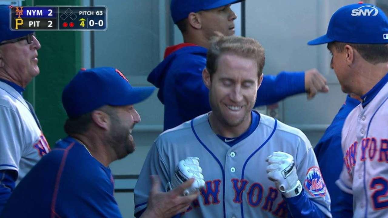 Kelly's two-run homer