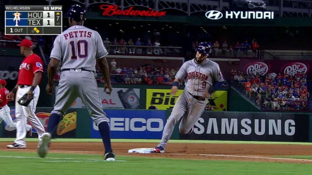 Astros ganan en Arlington por 1ra vez desde el 2015
