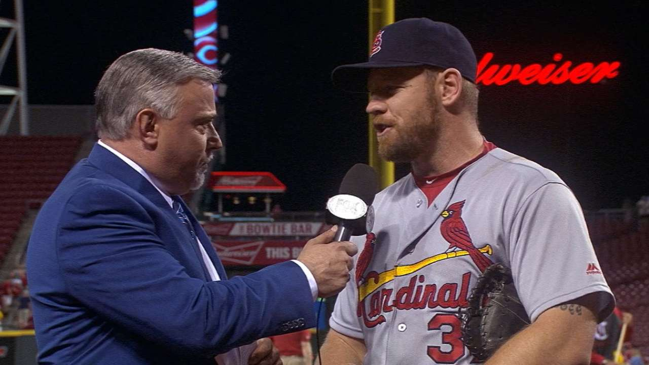 Moss on two-homer game