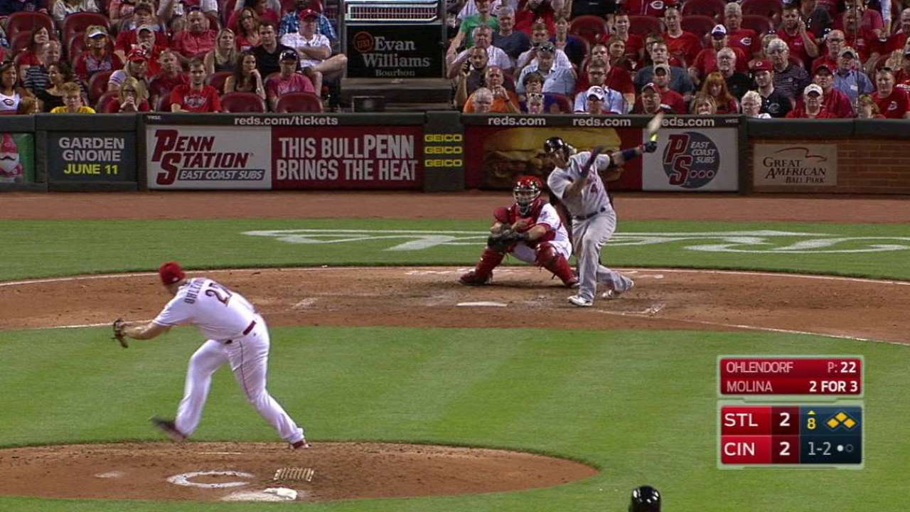 Yadi's RBI single in 8th gets Cards past Reds