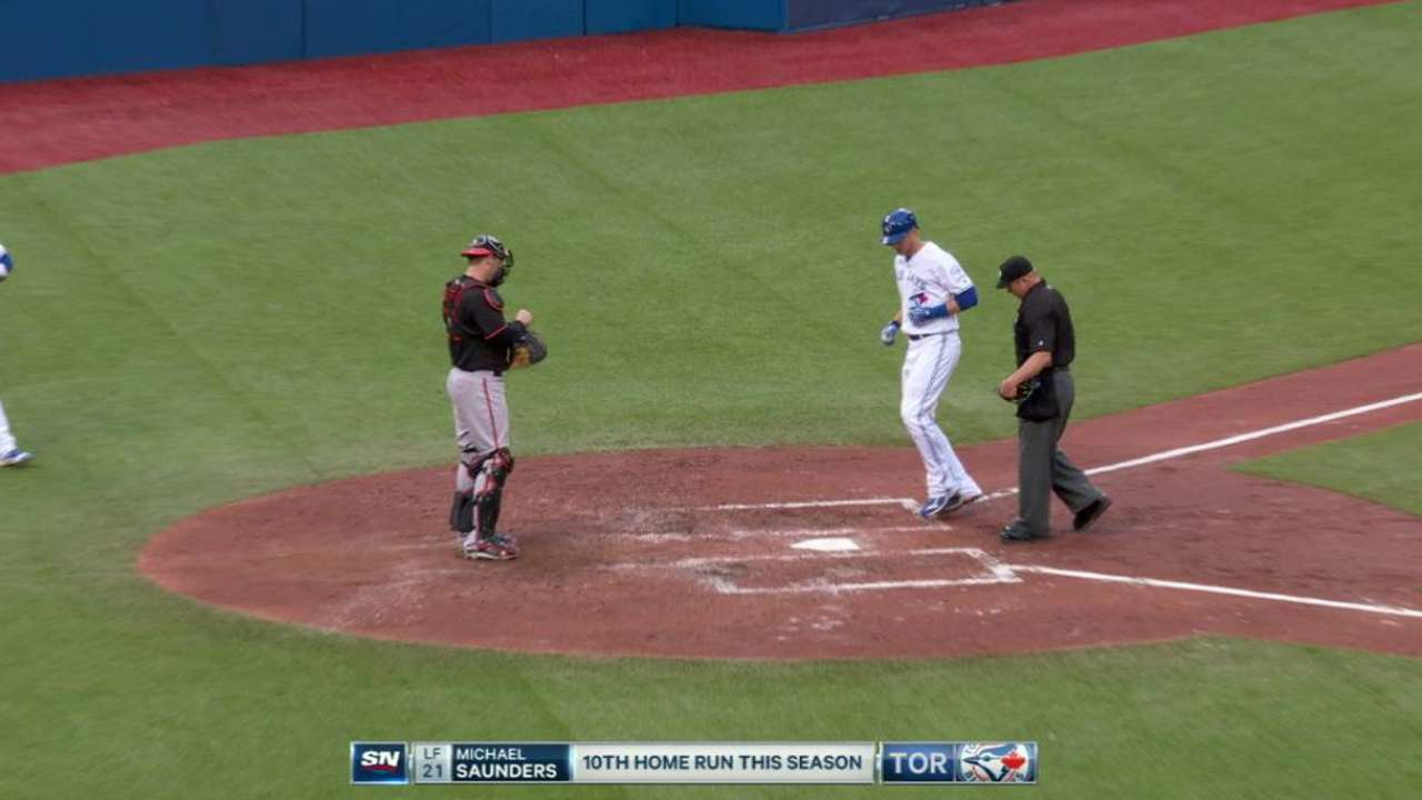 Saunders' solo homer