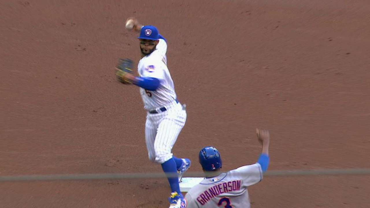 Carter starts 3-6-1 double play