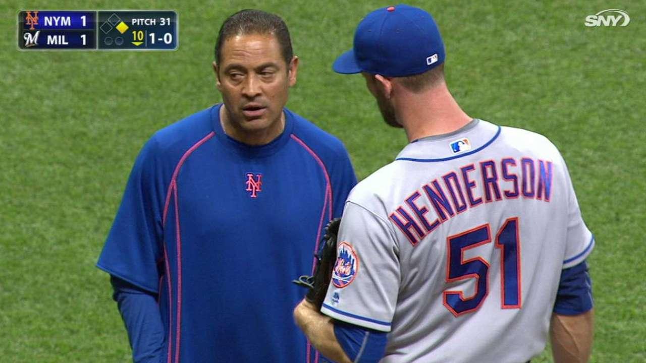 Mets put Henderson on DL, recall Gilmartin
