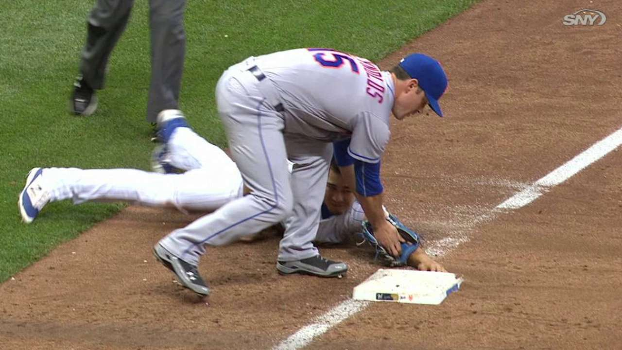 Plawecki throws out Flores