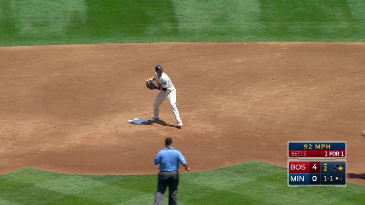 Nunez's inning-ending play