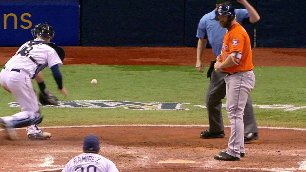 Astros take lead on wild pitch