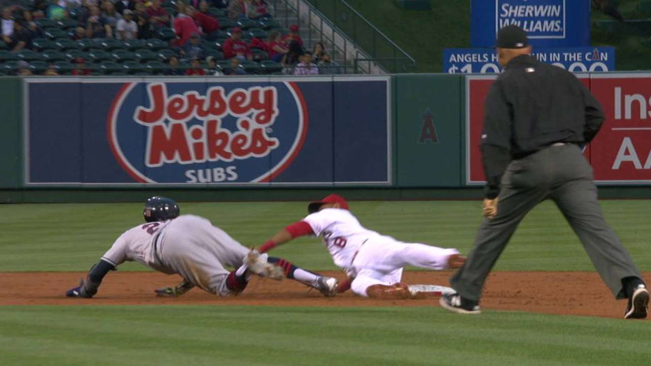 Davis safe on pickoff attempt