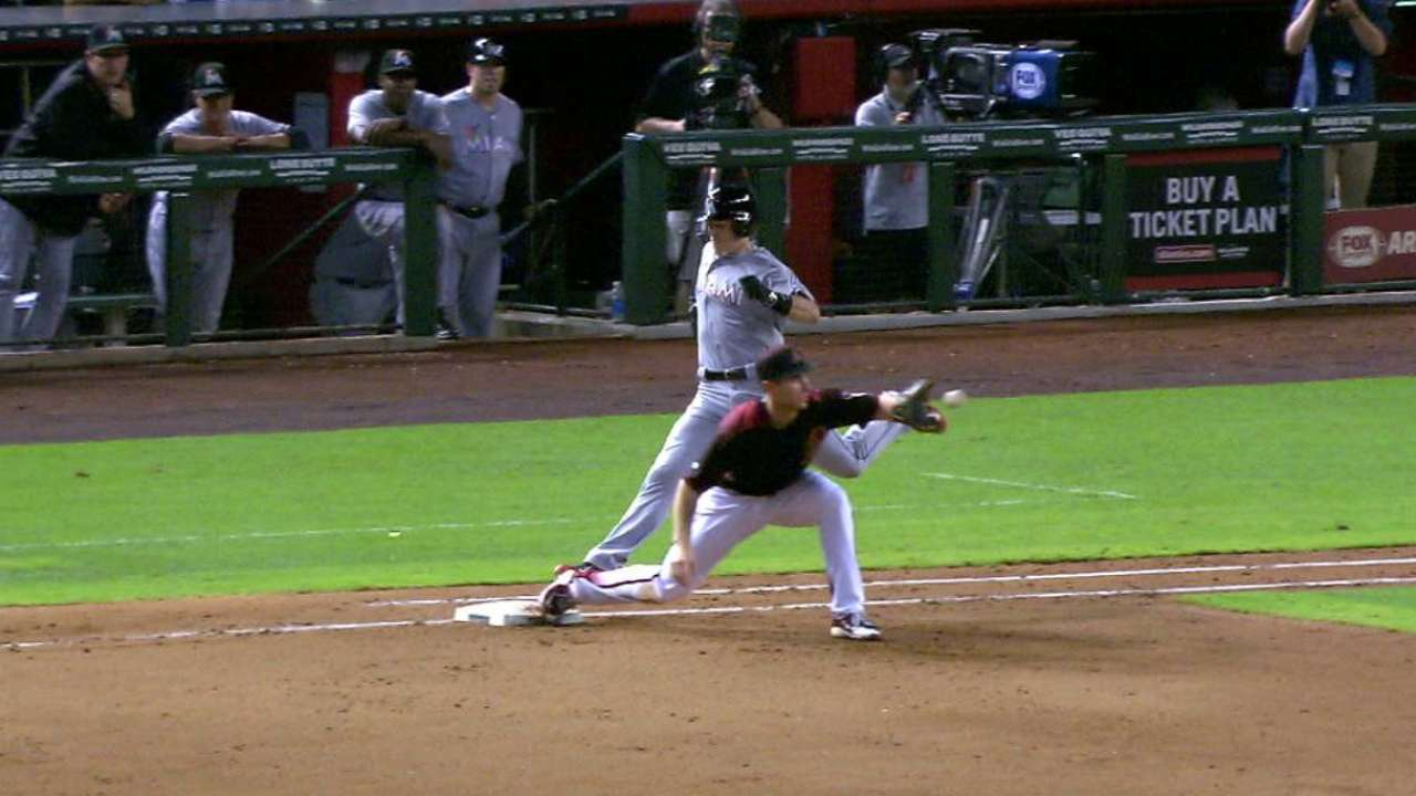 Lamb throws out Realmuto