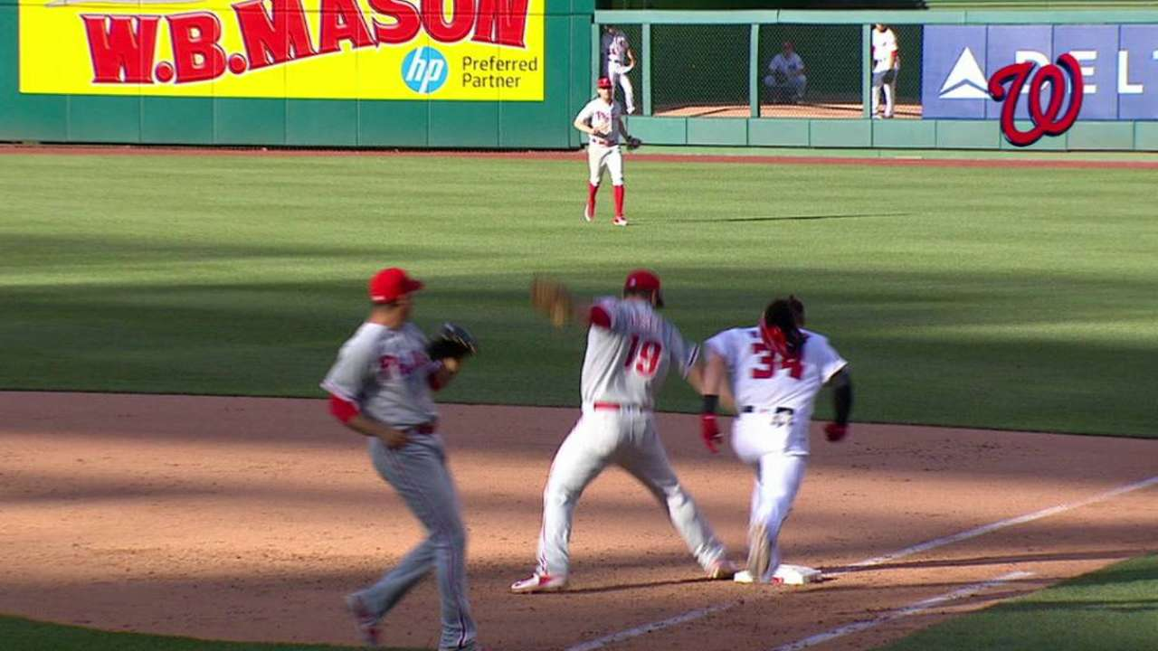 Close play in 9th looms large for Phillies