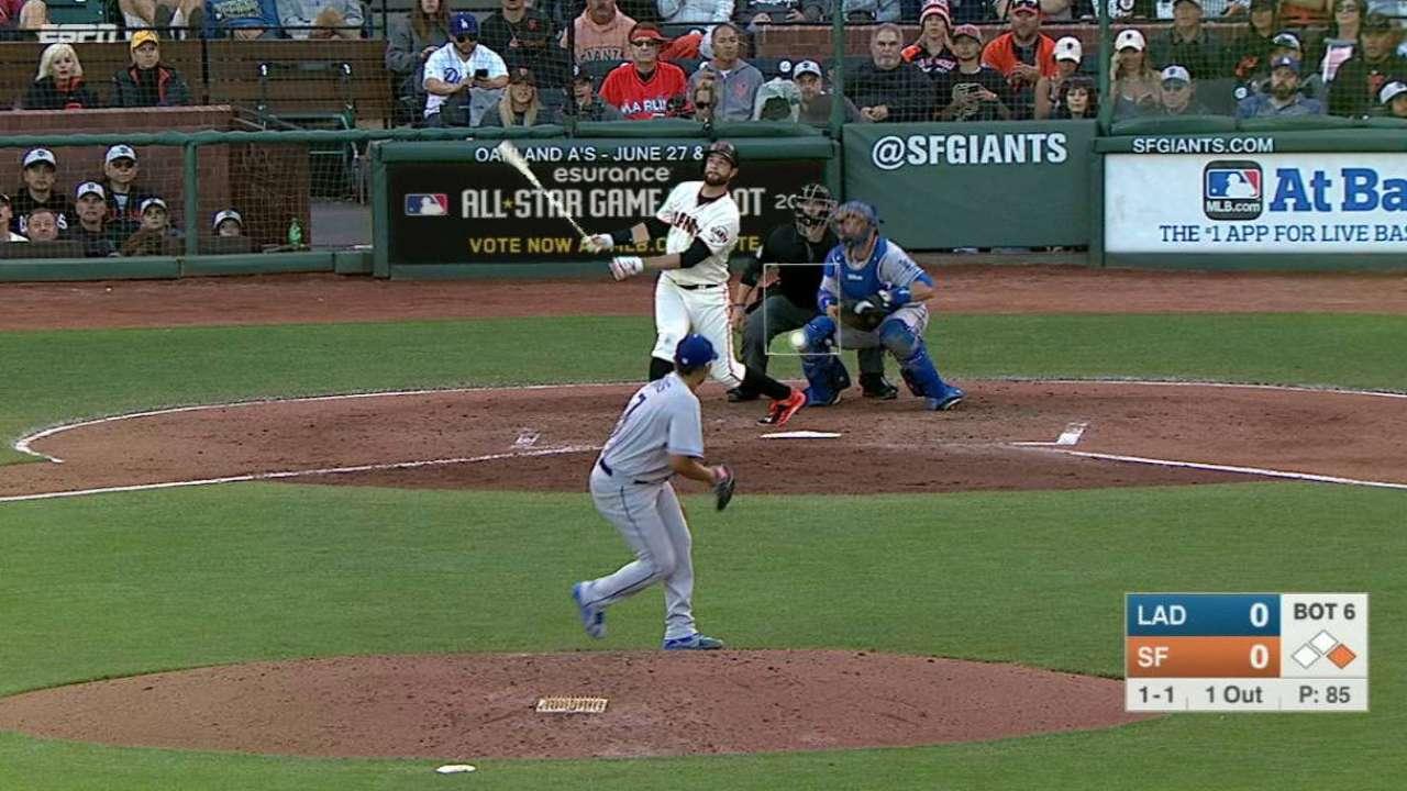 Peavy le gana duelo a Urías y Gigantes doblegan a Dodgers