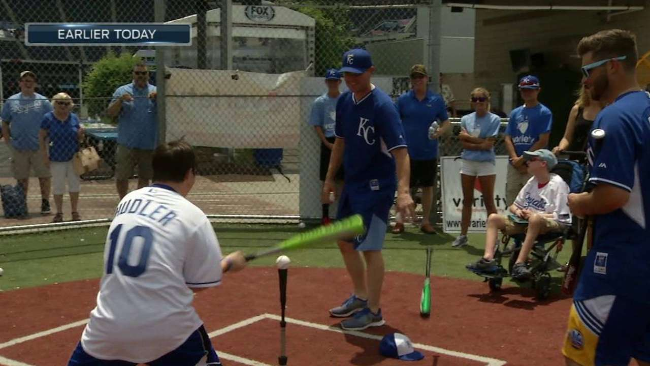Royals give kids unique experience at The K