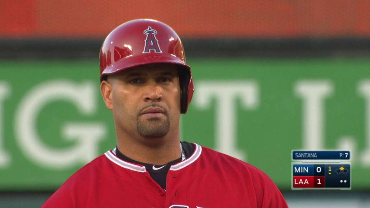 Pujols' RBI single up the middle