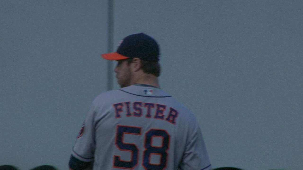 Fister snaps Cards' streak with arm, bat