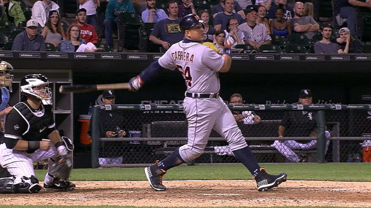Tigers rake, withstand White Sox rally