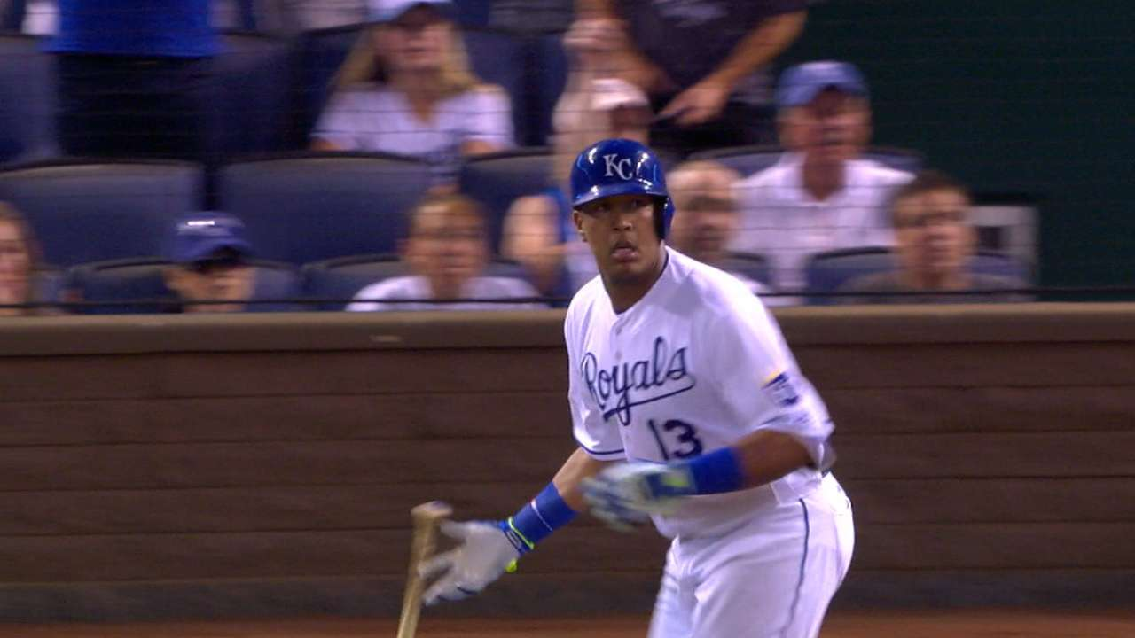 Salvy continues to make big splash with bat