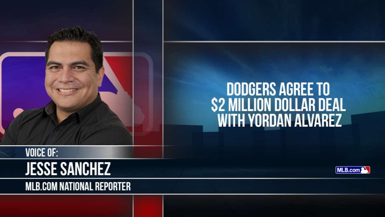 Sources: Dodgers have deal with Cuban OF Alvarez
