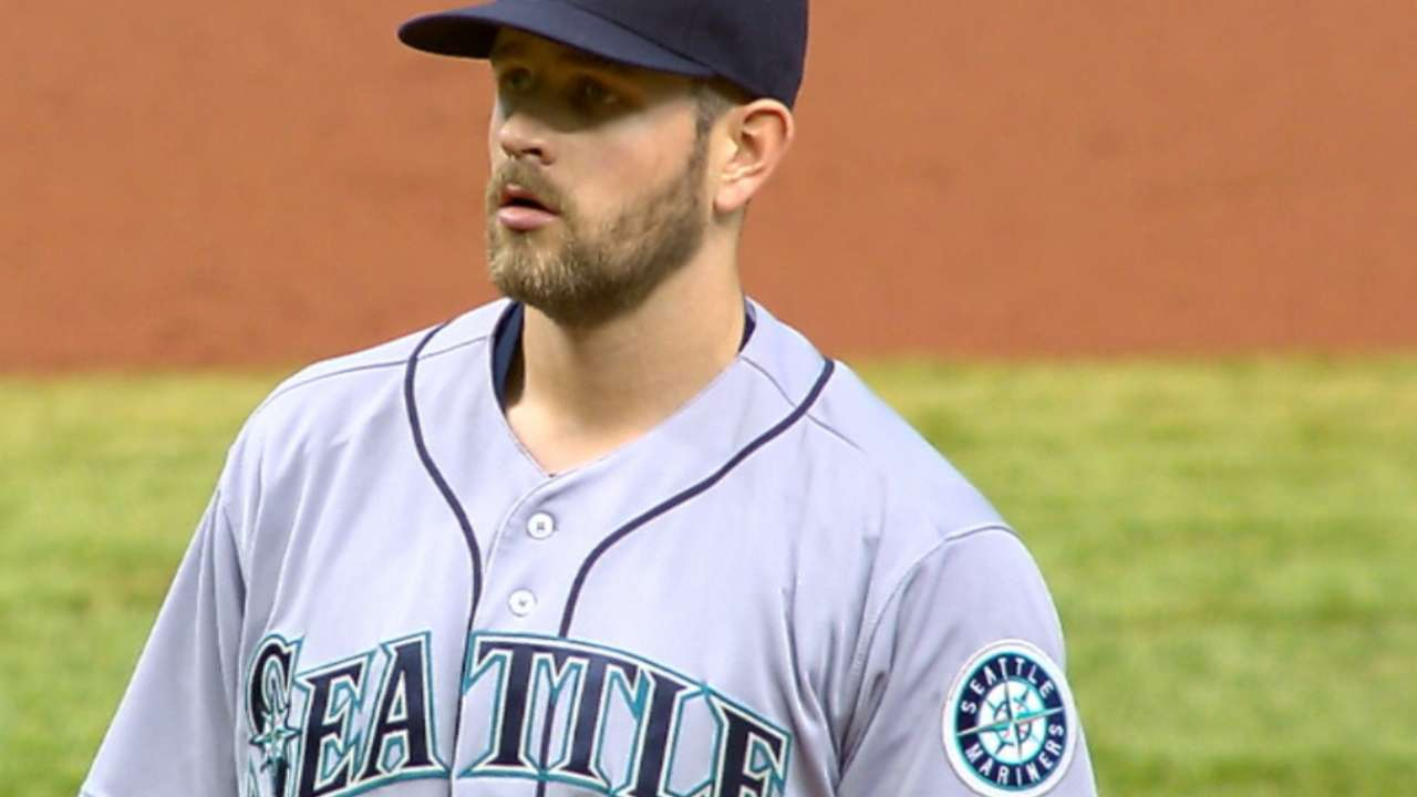 Paxton seizes opportunity, picks up first win
