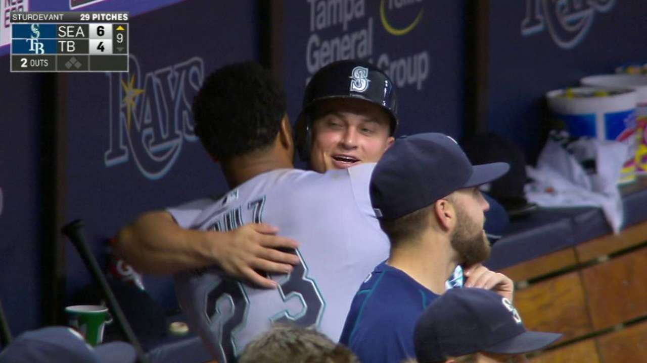 Seager's solo homer stands