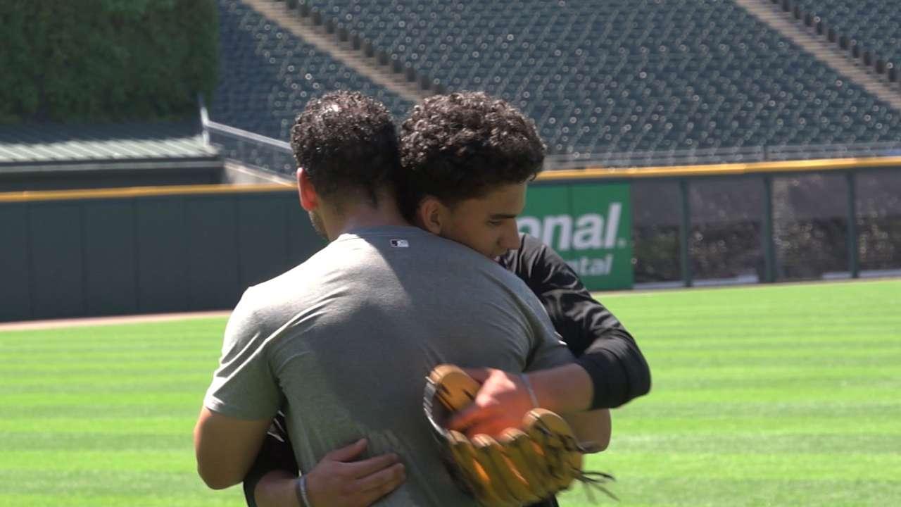 Along with White Sox, Thomas coaches son