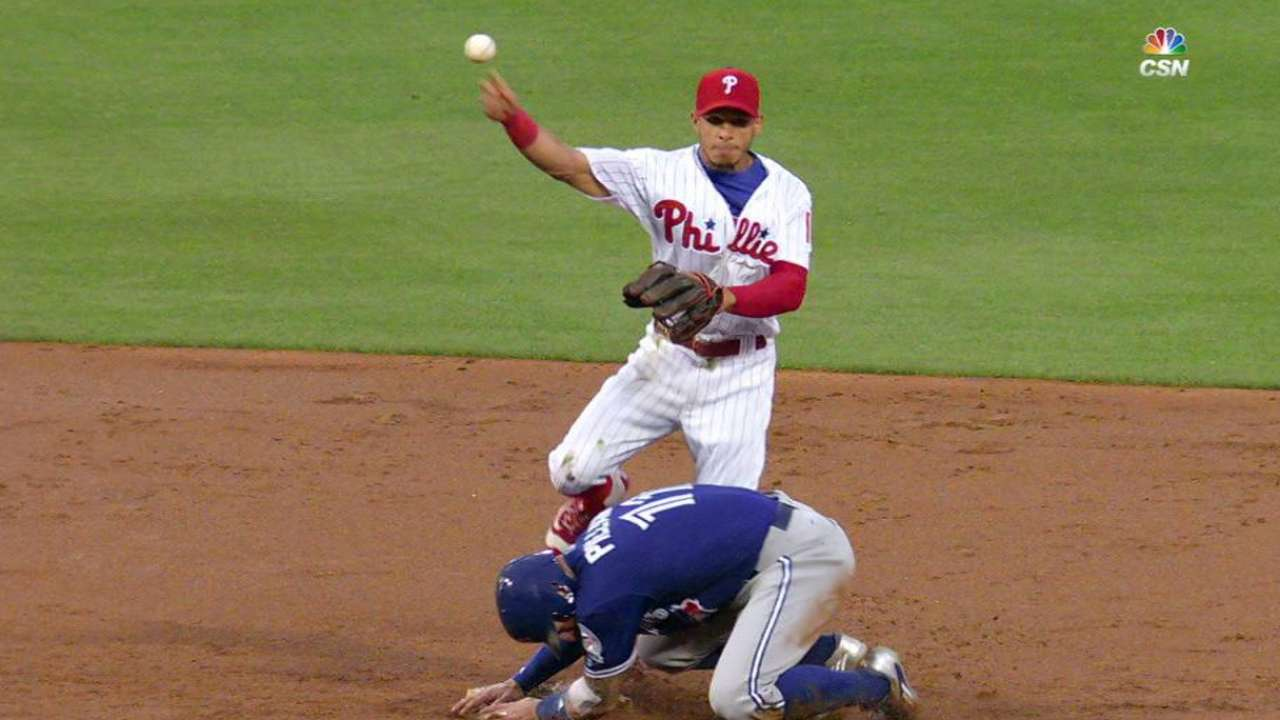 Phillies turn DP after replay