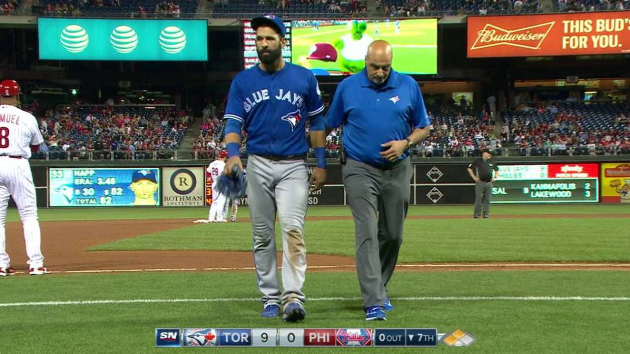 Bautista exits game with left toe soreness