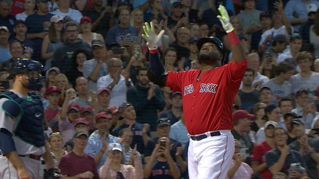 With one swing, Papi ties three Hall of Famers