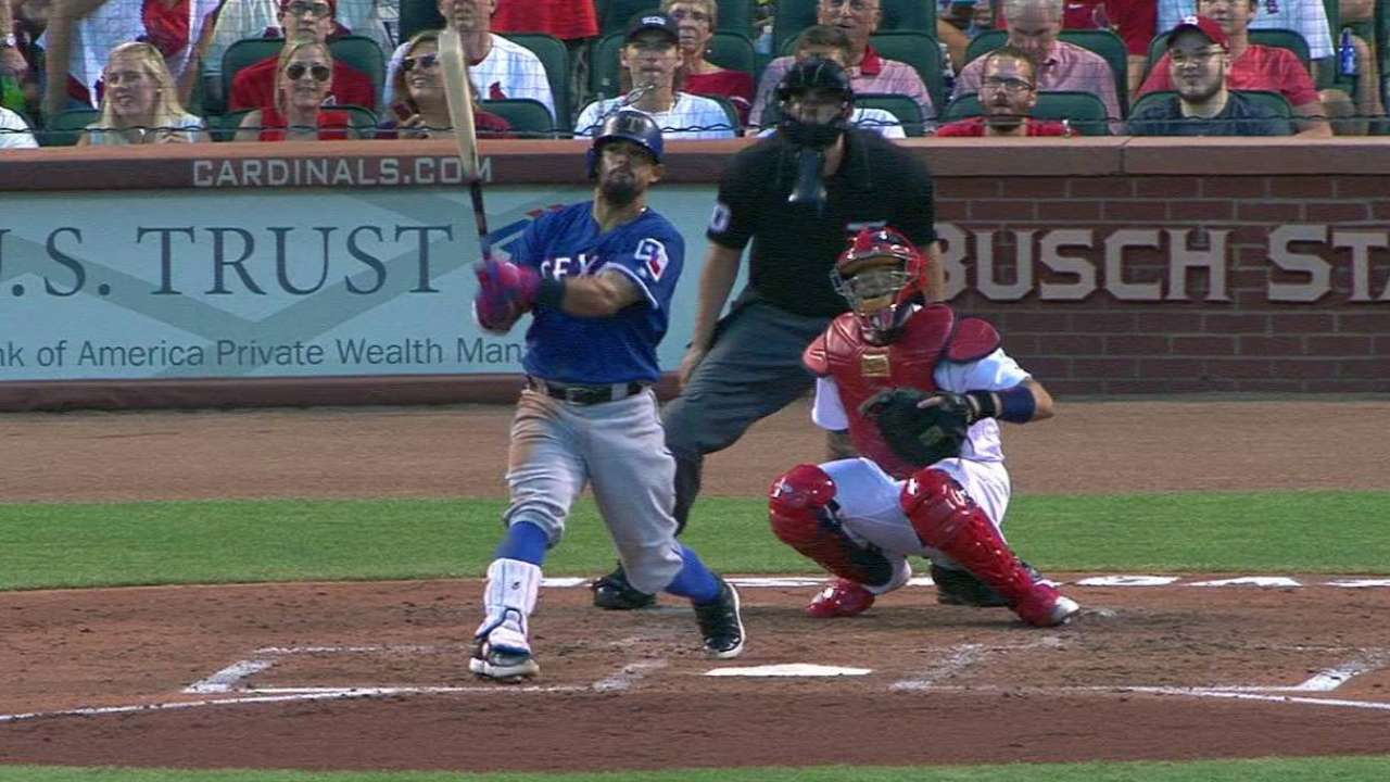 Hamels outduels Wacha; Odor's HR the difference