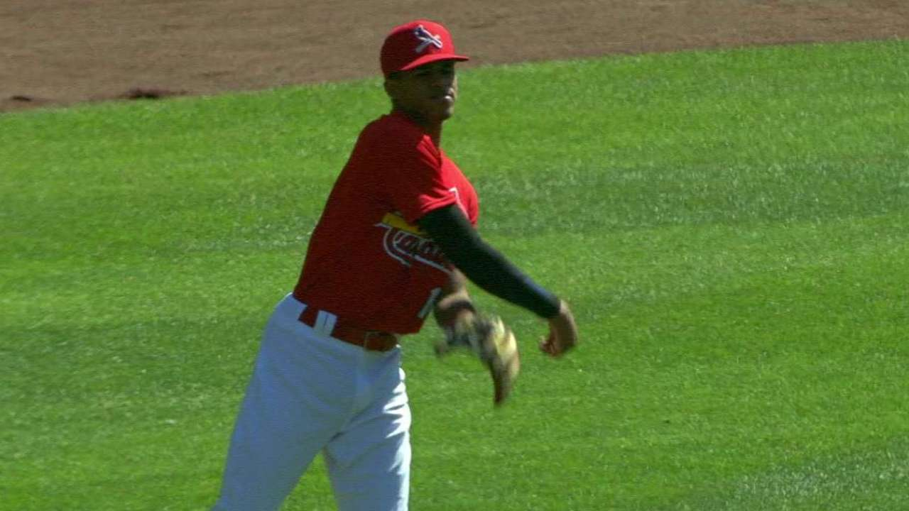 Cards' top pick Perez signs, moving past PED test