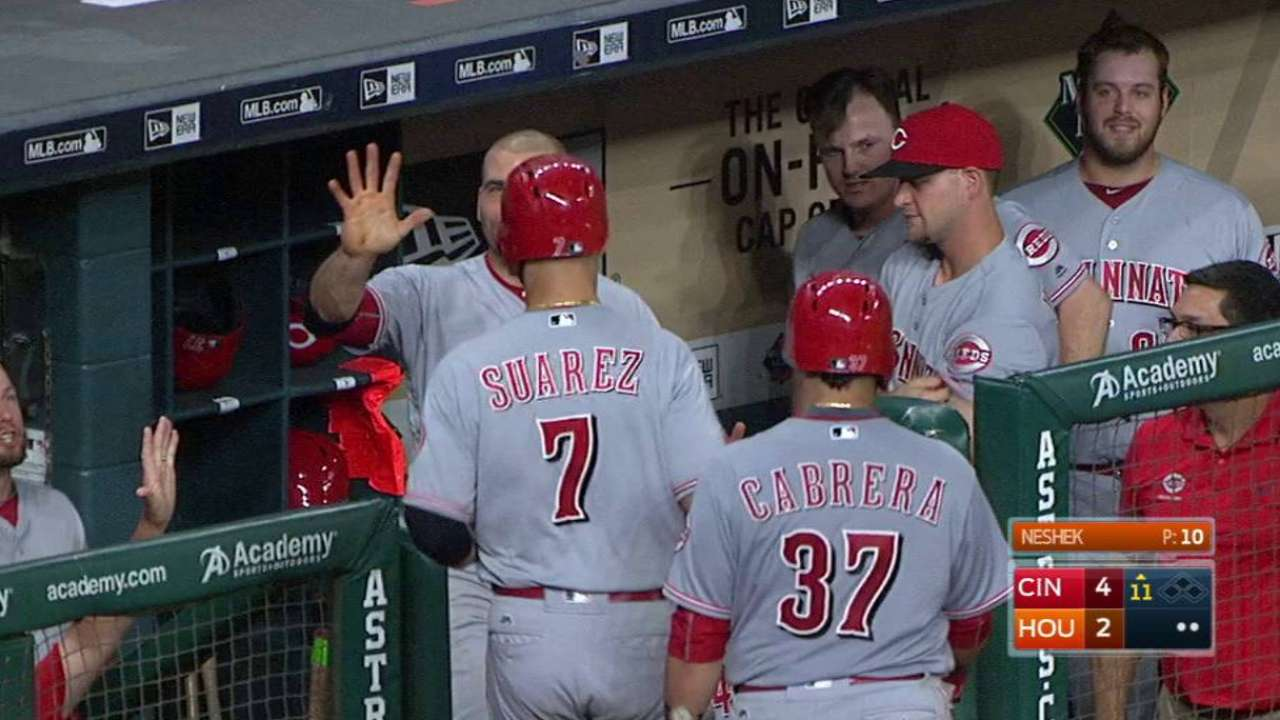 Reds stay aggressive with perfect suicide squeeze