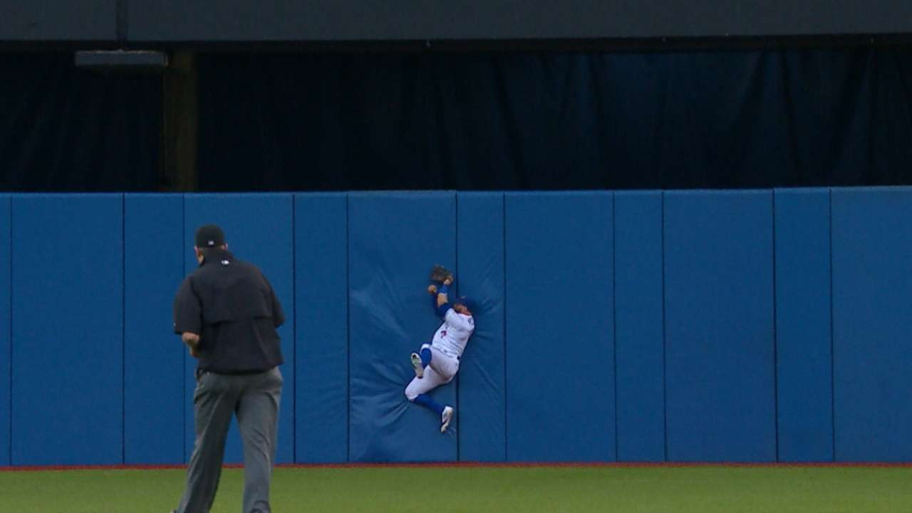 Must C: Pillar's amazing catch