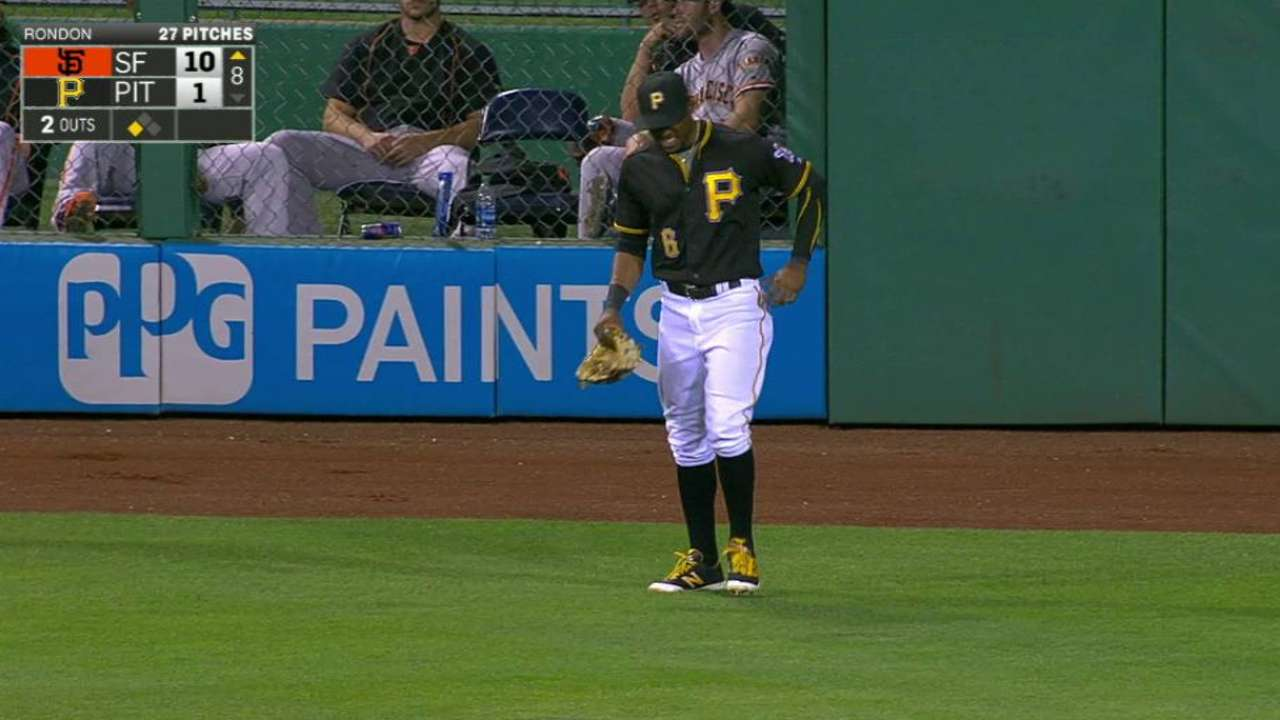 Marte leaves game vs. Giants with foot injury