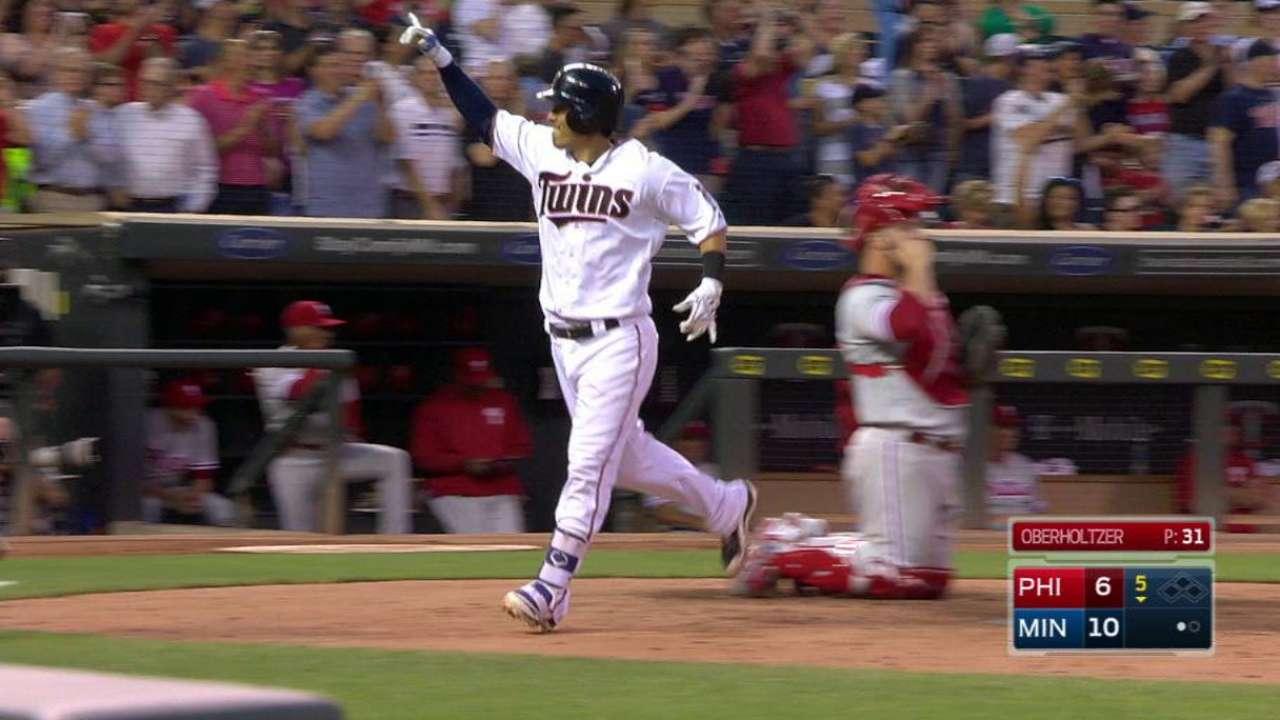 Suzuki's two-run homer